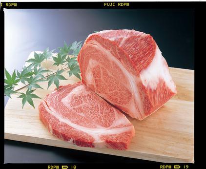 ビーフ・ポーク・チキンなどなど美味しいお肉に囲まれてお仕事。お肉専門店のスタッフ大募集。